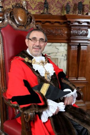 Croydon Mayor: Eddy Arram: so unimportant, even the Croydon Advertiser does not bother to report his activities. How dare they!