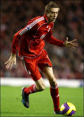 Peter Crouch in his Liverpool days: Pulis's style of player?