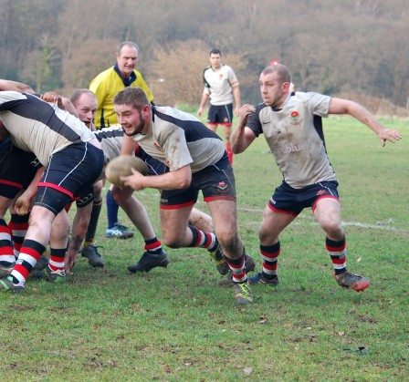 Croydon's No8 and scrum half take the attack to the opposition last weekend. Photo by Chloe Tilling