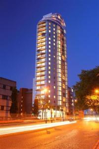 Croydon's tallest building has had a flaky history