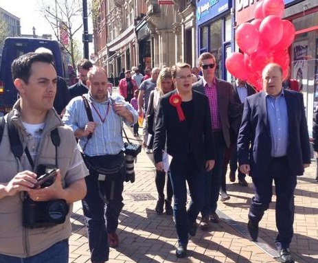 Eddie Izzard, centre, off on a shopping trip with Croydon Labour's Tony Newman