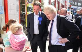 Gavin Barwell is backing a Labour campaign to get Tory Mayor Boris Johnson to change the fare zones