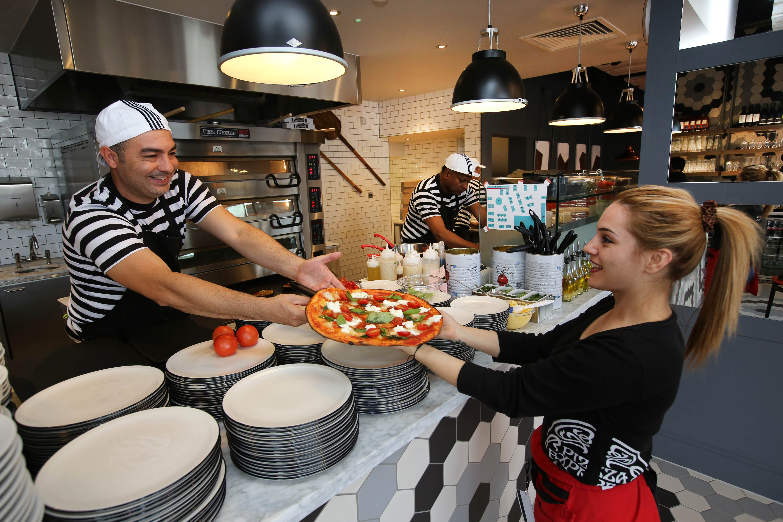 Pizzaexpress Serves Up 25 Jobs In Coulsdon Restaurant