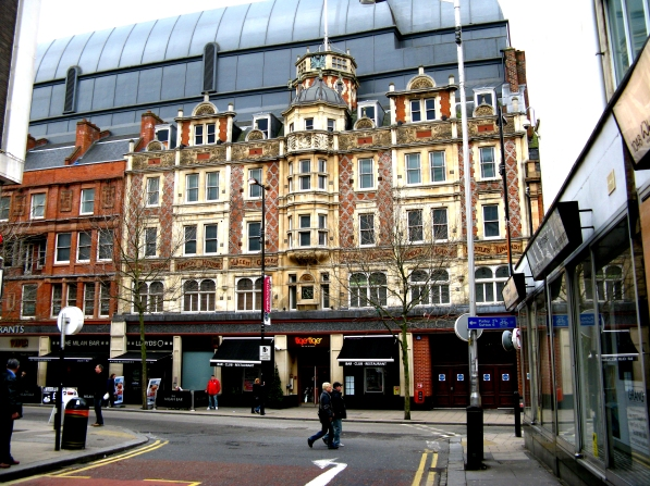 £32m-worth of real estate, the listed Grant's building, with the vast mulitplex cinema looming atop of it