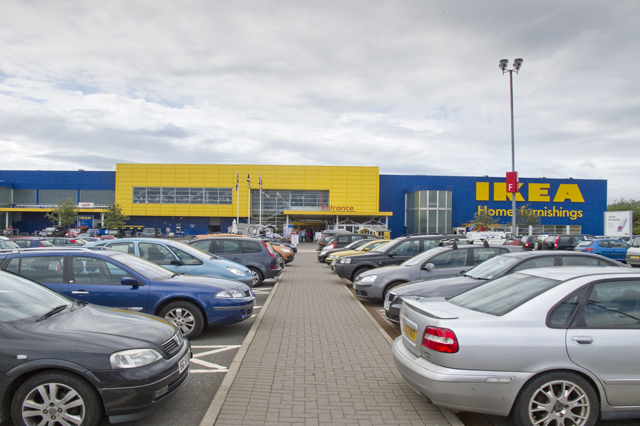 shoppers angry as valley park car park is gridlocked for hours inside croydon. Black Bedroom Furniture Sets. Home Design Ideas