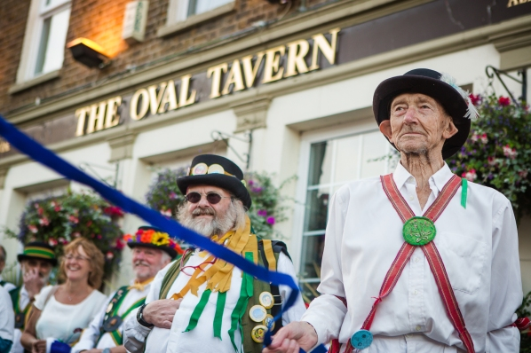 The Oval Tavern was one of three pubs near East Croydon where dance groups performed during the evening
