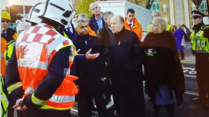 London Mayor Sadiq Khan, with Croydon councillors Tony Newman and Alison Butler, being briefed by emergency services at the crash scene yesterday