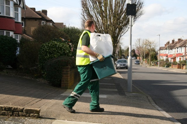 Council withholds £1m from Veolia for bin service failings