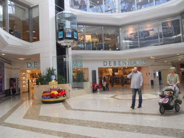 Debenhams to close 5 stores, 1000 jobs lost